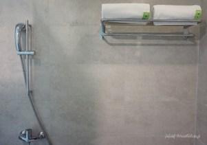 bathroom POP Hotel Timoho