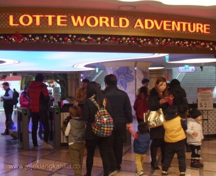 lotte world south korea adventure