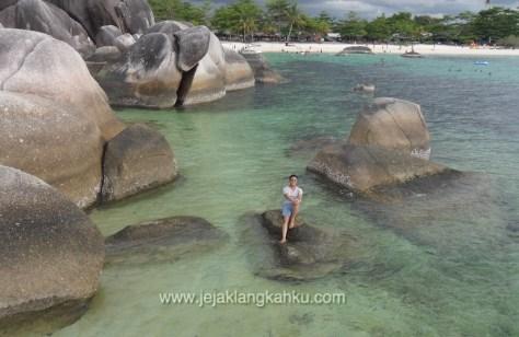pantai tanjung tinggi belitung 2-1