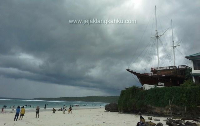 wisata makassar ujung pandang beach