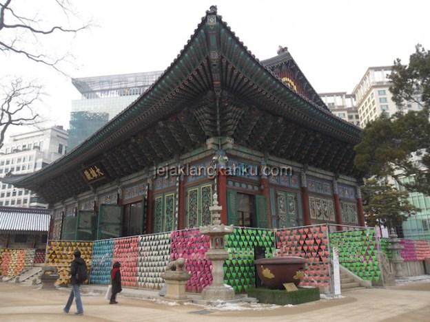 Warna Warni Lentera Kertas di Jogye-sa Temple Seoul, Korea
