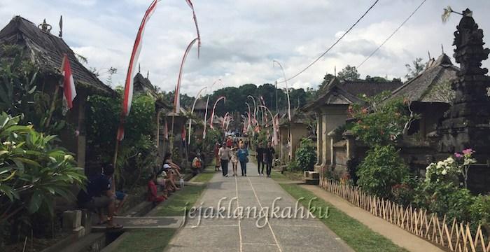 Segarnya Kunyit Asem ditengah Suasana Tentram & Asri, Desa Penglipuran Bali