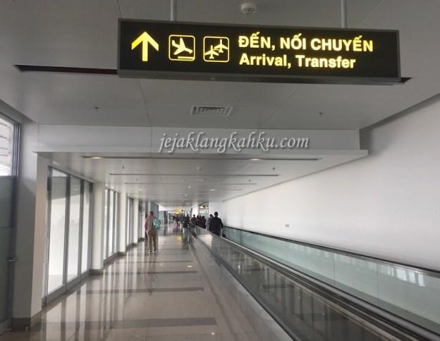 Begini Suasana & Pengalaman Mendarat di Bandara Internasional Hanoi, Noi Bai – Vietnam