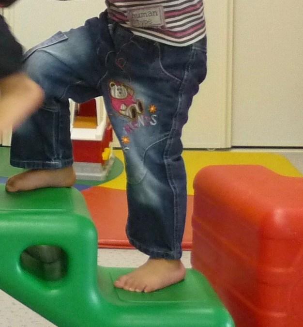 Diaporama étape 19: Monter l'escalier en alternant les  pieds