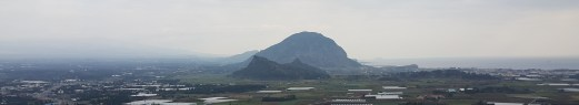 2016-01-Jeju-Olle-Trail-Clean Olle-Route11-Looking to Dansan and Sanbangsan from Molsuepobong