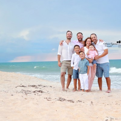 Professional family photography and family beach portraits in Miami and Kendall