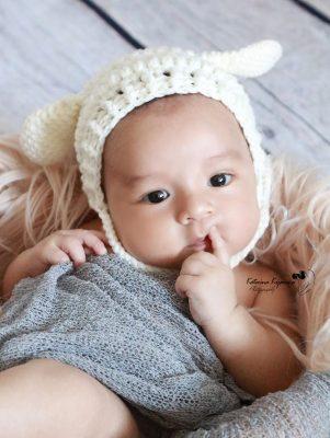 Newborn photography and lifestyle newborn sessions