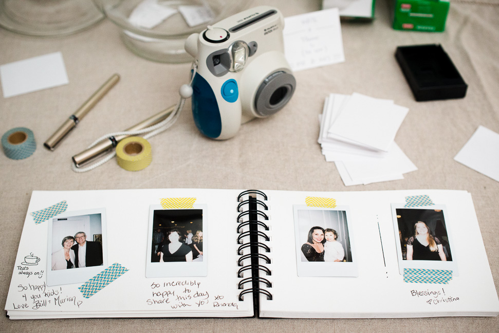 vancouver-polaroid-wedding-guestbook