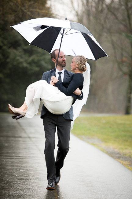 wedding-rain-vancouver-umbrella