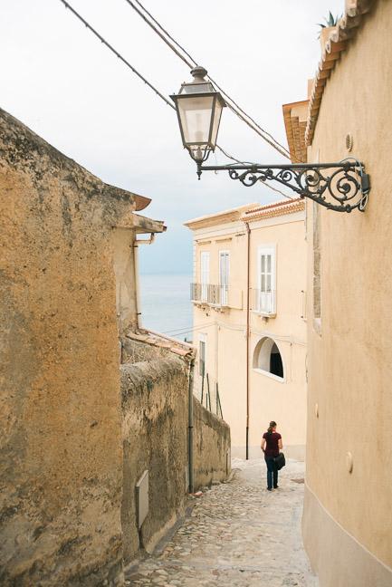 amantea-little-streets-travel
