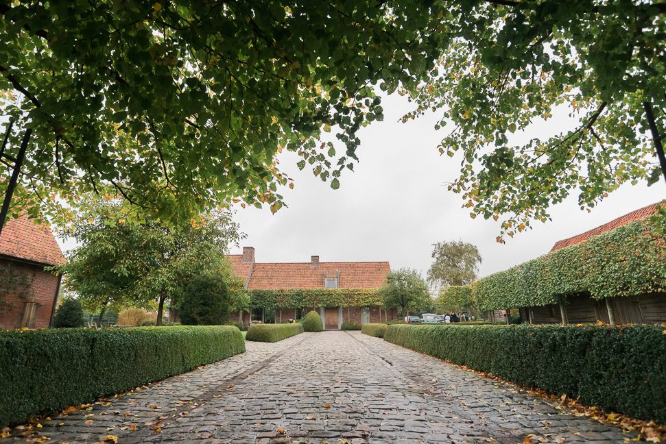 destination-wedding-belgian-farmhouse