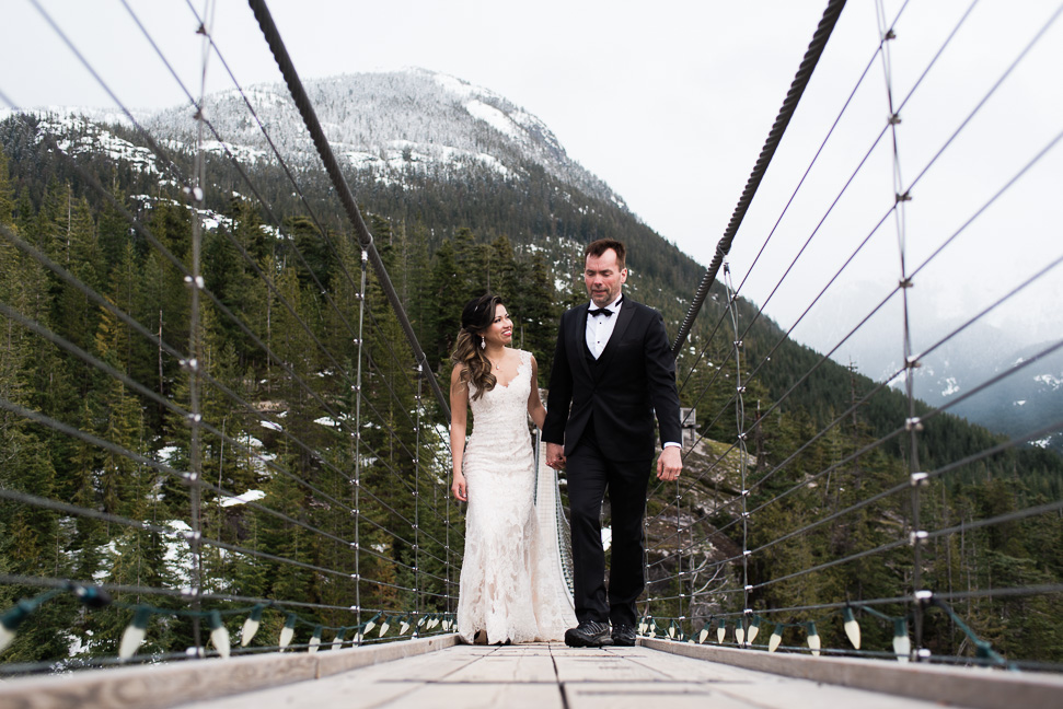 adventure-bride-groom-squamish