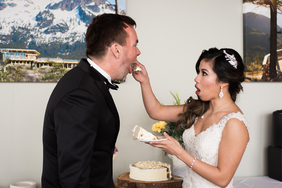 cake-tasting-bride-groom