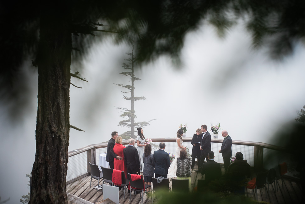 intimate-squamish-wedding-ceremony