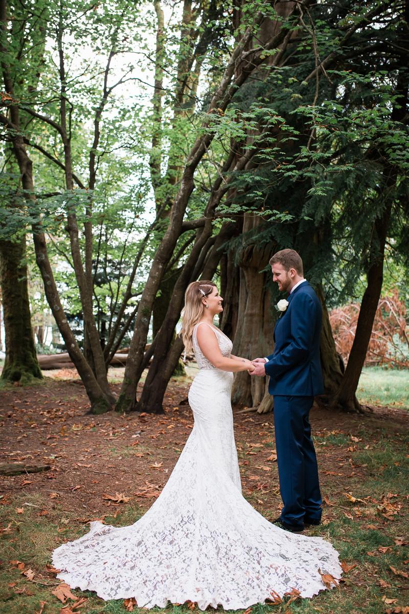 bride-groom-stanley-park-photos