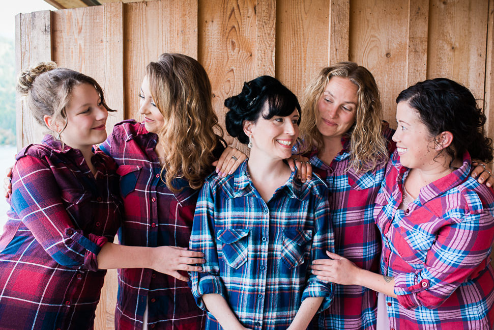 west-coast-bride-bridesmaids-plaid