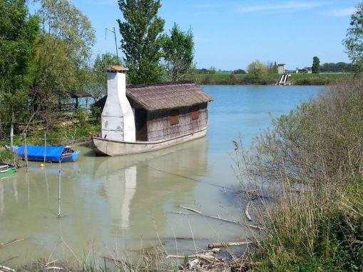 Hausboot im Po-Delta