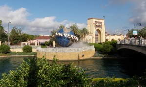 Universal-bol