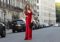 Amelia Liana: the girl knows beauty