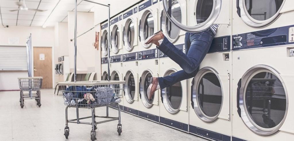 La solution #1 aux corvées ménagères, comme la lessive monstre, Ressource parentale Je Materne