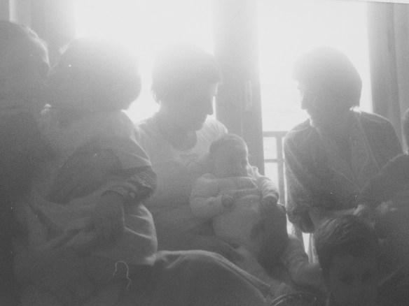 Pourquoi porter son bébé: 10 raisons surprenantes de faire le portage de son nouveau-né à temps plein, Blog Marie-Eve Boudreault,auteure