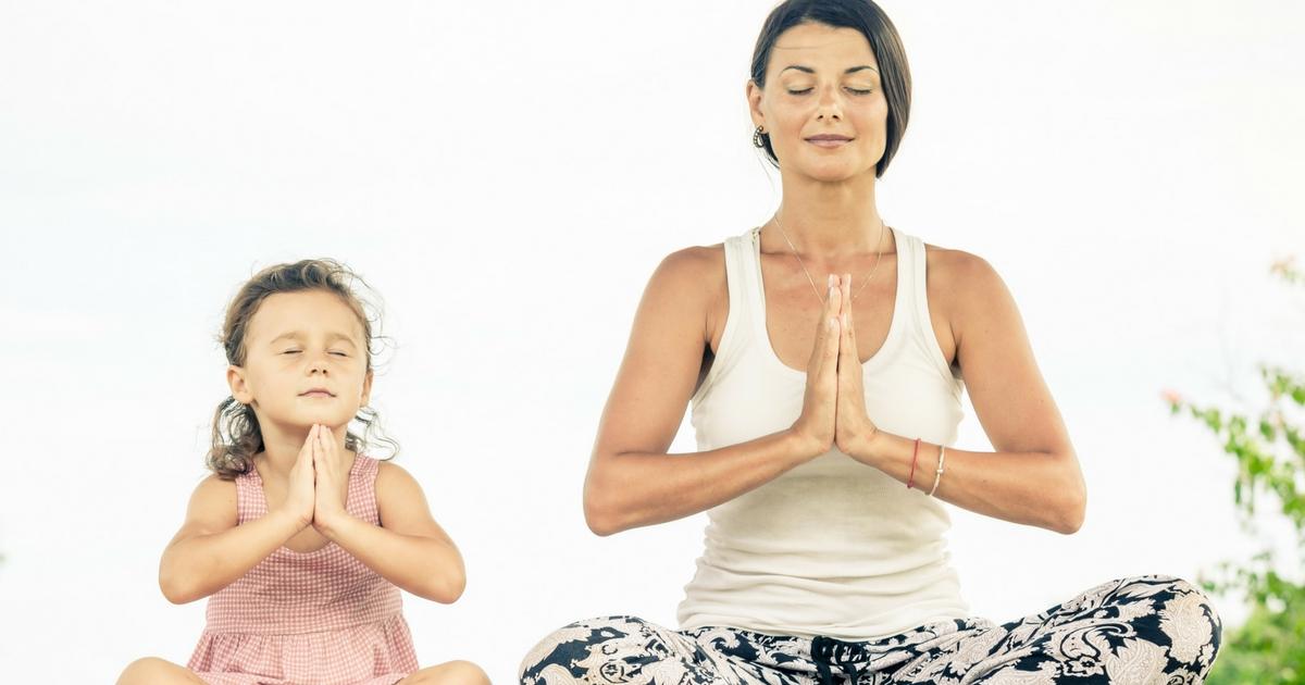 Yogas pour enfants - 5 idées des plus inspirantes - Cliquer pour voir sur Je Materne!