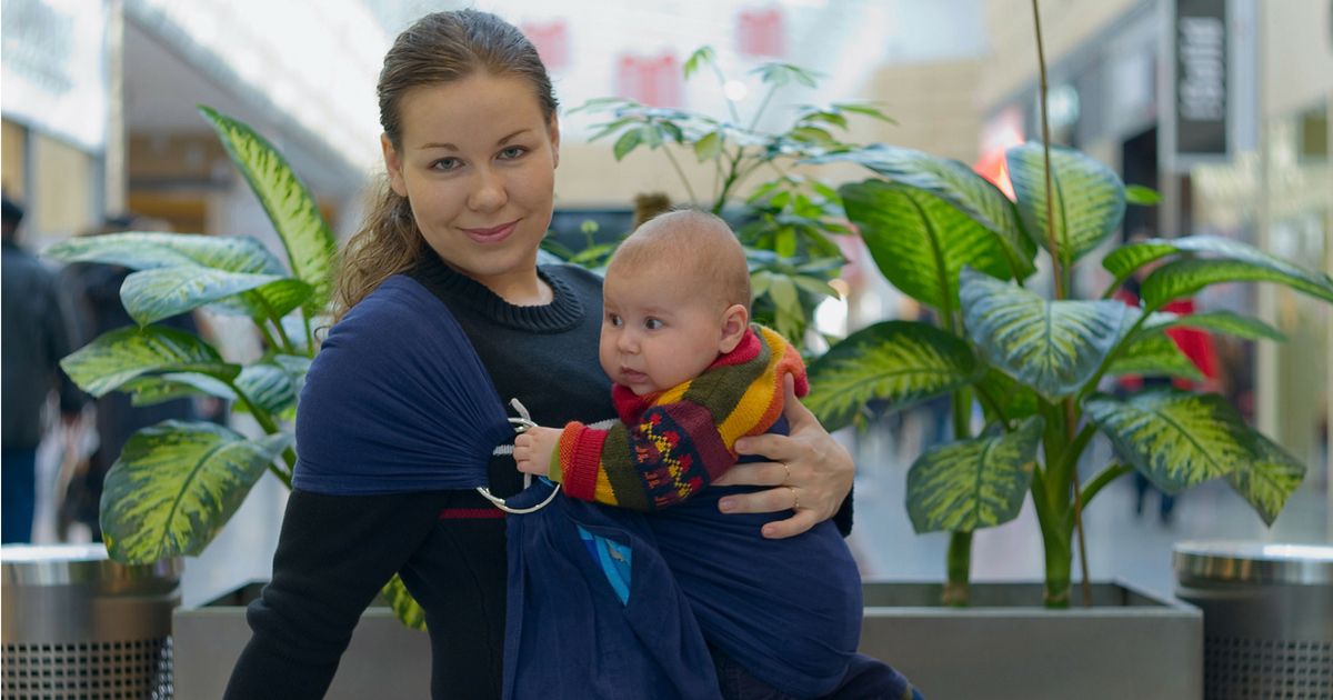 À LIRE! Pourquoi le portage c'est l'outil #1 pour ta vie de maman - Tu ne voudras plus t'en passer! Lis tout sur JeMaterne.com #Portage #bébé