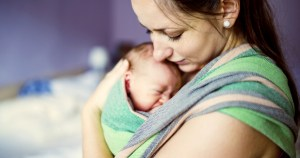 Écharpe de portage et porte-bébé - Le Guide Ultime