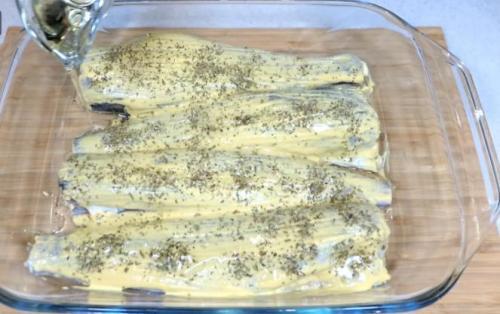Смазываю минтай горчицей и запекаю в духовке. Простой рецепт вкусной и сочной рыбы