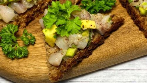 Потрясающие бутерброды моей свекрови, без которых у нас не обходится ни одно застолье