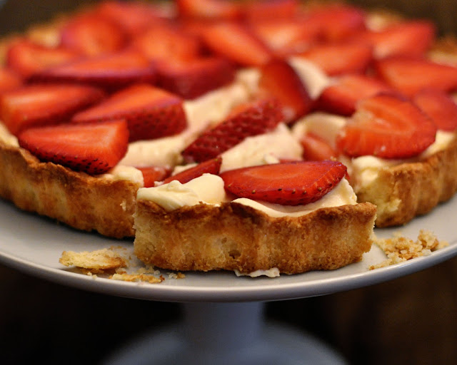 strawberry lemon mascarpone tart
