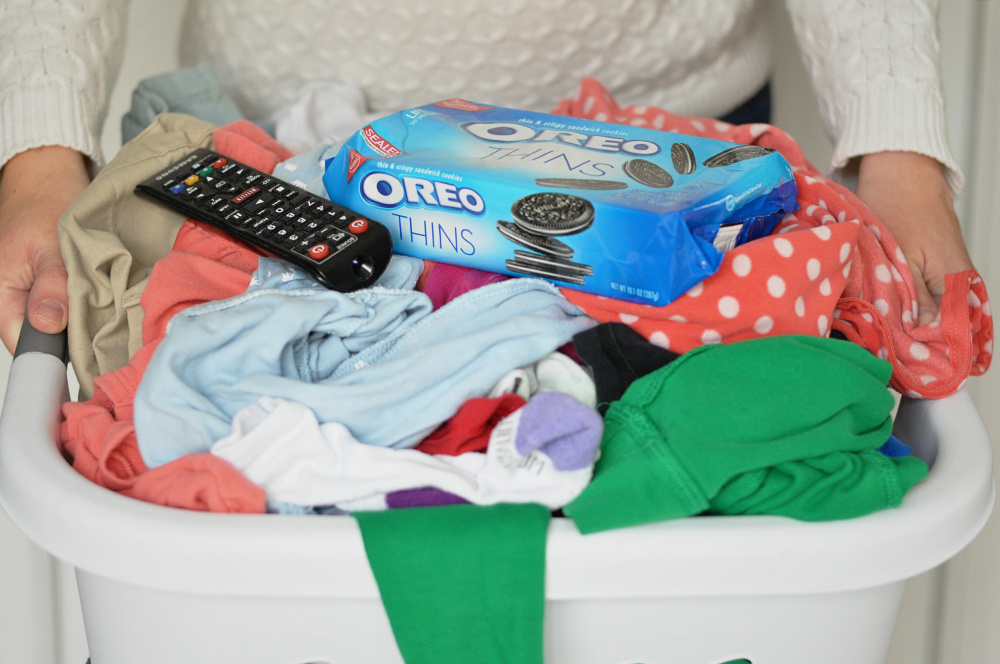 My laundry routine (featuring OREO THINS from Walmart)