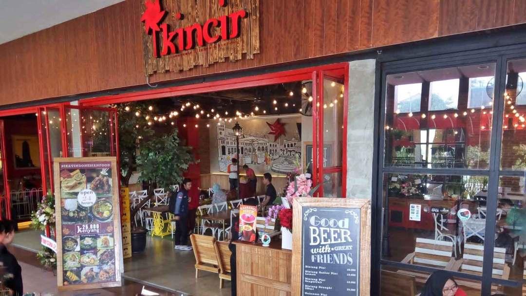 Tempat Makan Jakarta 24 Jam cafe kincir