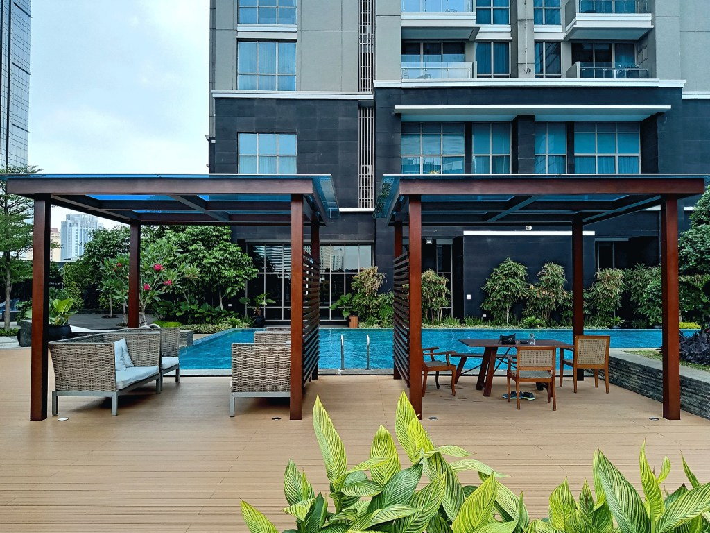Residence 8 Apartment Review