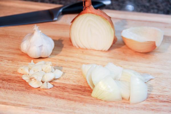 onions-and-garlic-web