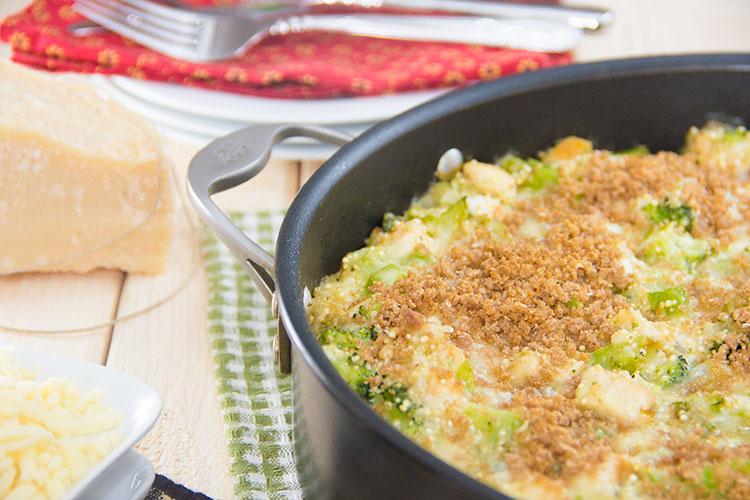 Chicken-Broccoli-Cheddar-Quinoa-Casserole