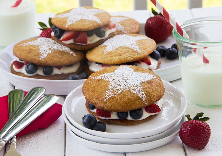 Star-Spangled-Lemon-Whoopie-Pies-with-Berries-and-Cream
