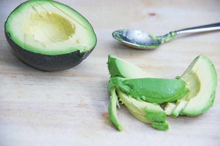 peeling-and-slicing-avocado