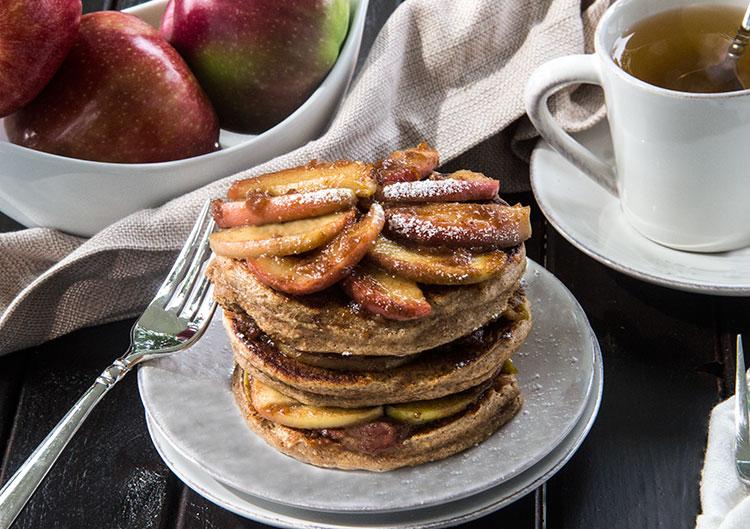 Cinnamon-Spice-Pancakes-with-Apple