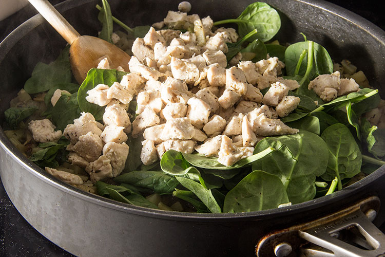 cooking-chicken-and-spinach