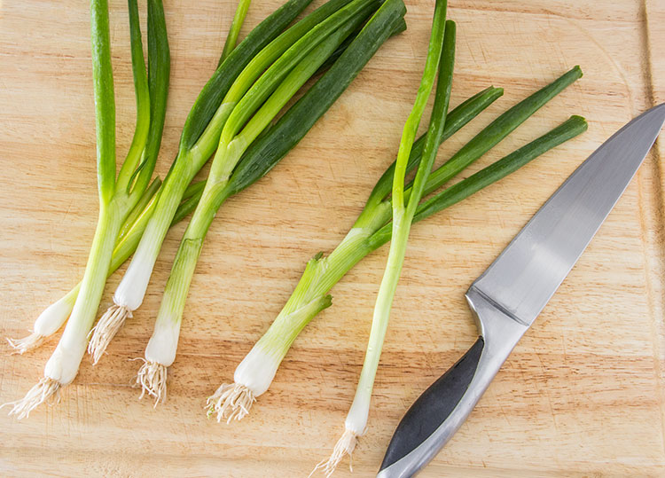 prepare-green-onion-scallion