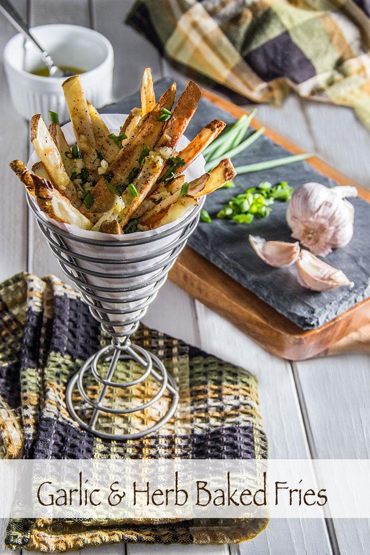 Healthy-Garlic-Herb-Baked-Fries