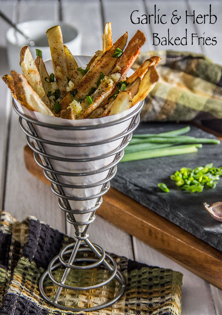 Healthy-Herb-and-Garlic-Baked-Fries