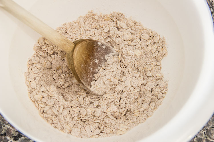 mixing-oatmeal