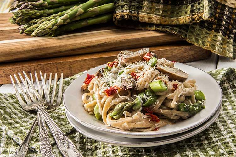 One-Pot-Creamy-Asparagus-Pasta