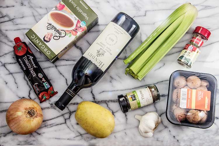 helathy-slow-cooker-coq-au-vin-ingredients