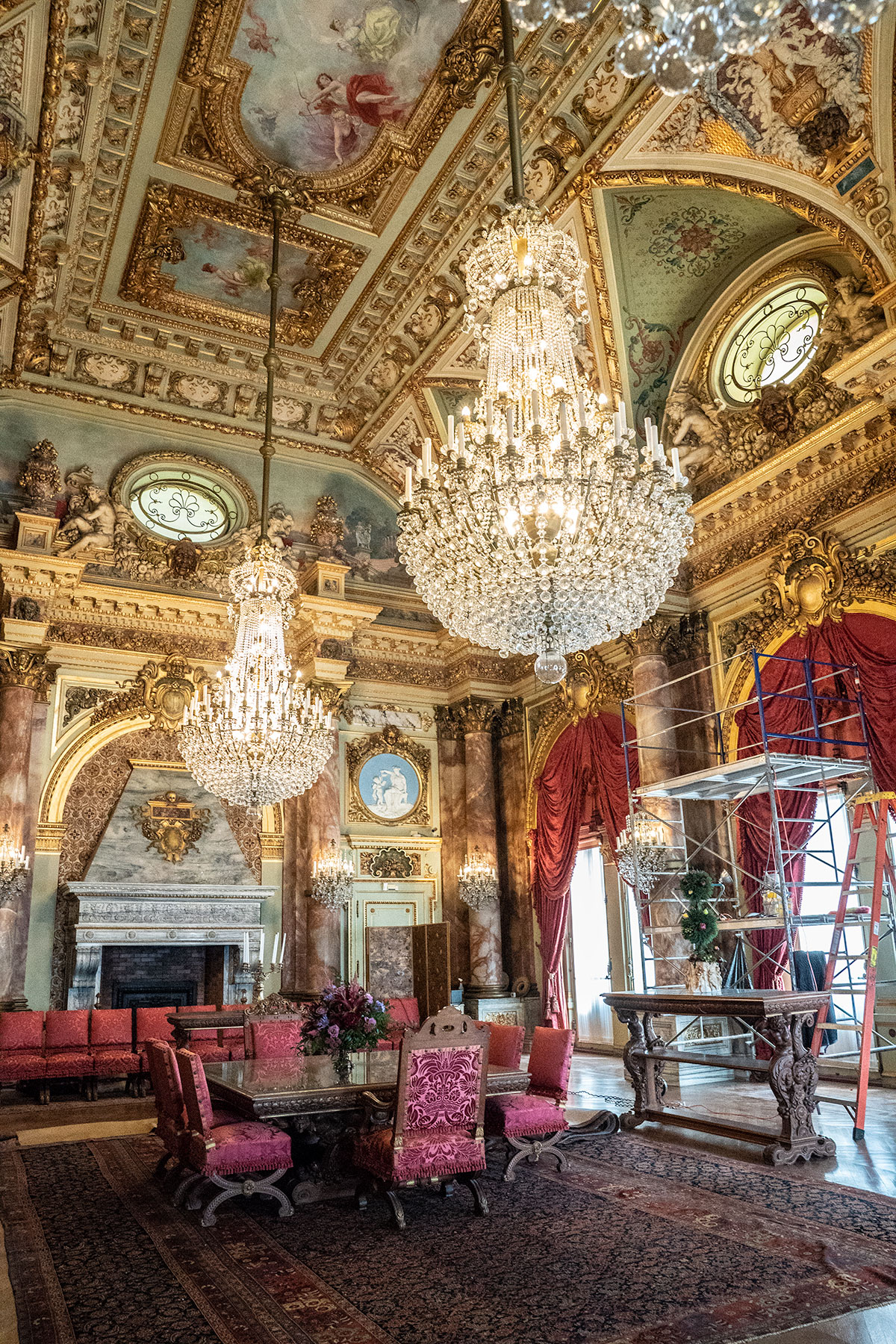 Take A Photo Tour Of The Breakers Newport Mansions Jen