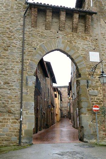 Paciano entrance/exit