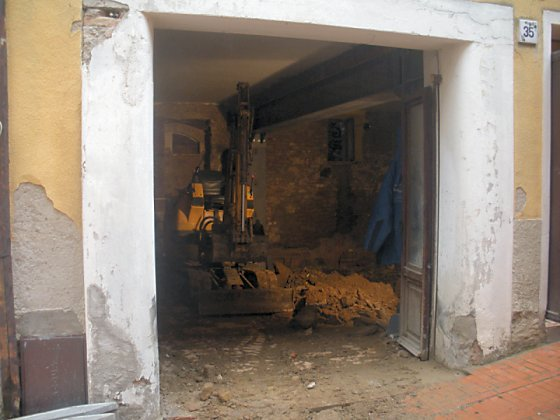 The renovation of one of the apartments in Paciano.