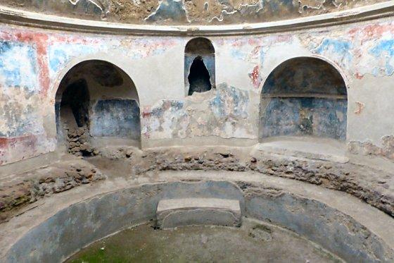 Pompeii Bath